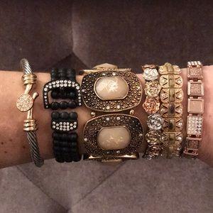 Jewelry - Set of 6 bracelets
